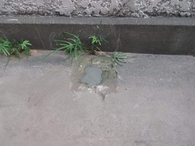 コンクリート穴埋め後