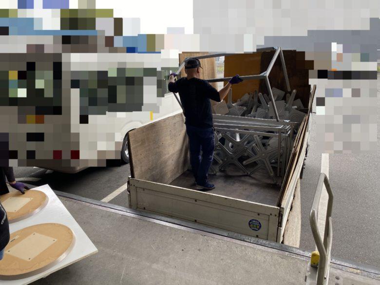 テーブル解体 トラック積み