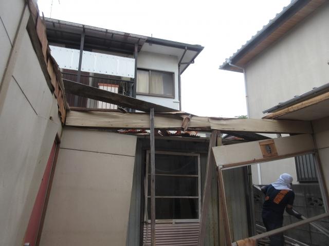 屋根が無くなりました。