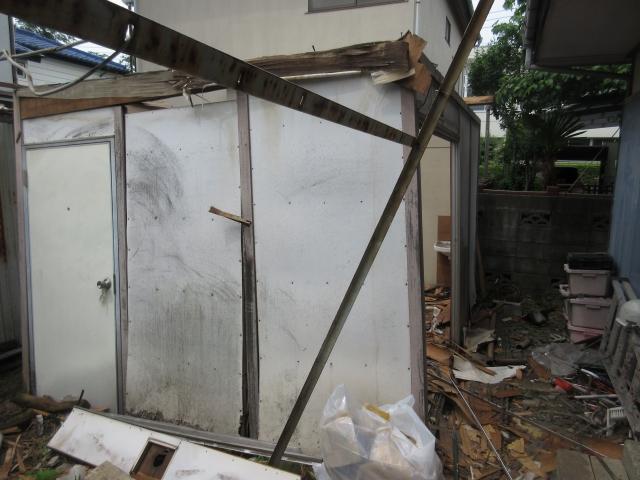 次は壁の解体