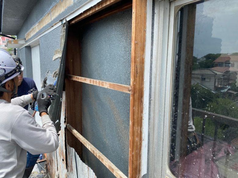 戸袋の解体撤去