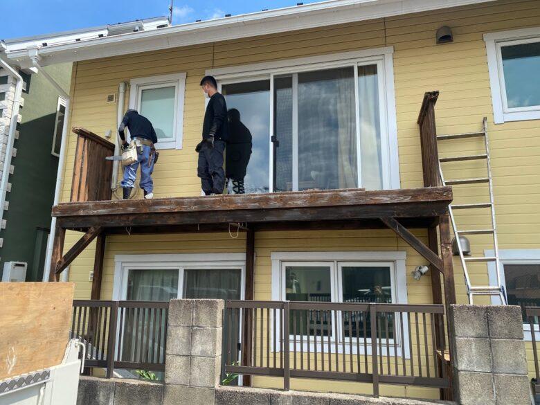2階のベランダから解体